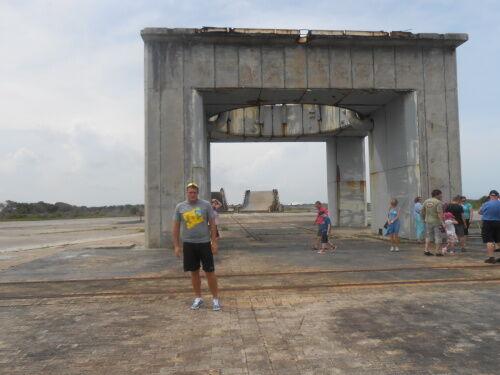Startovací rampa pro první rakety Apollo. Přímo na tomto místě uhořela roku 1967 posádka Apolla 1. Taktéž se zde natáčela scéna z filmu Armagedon